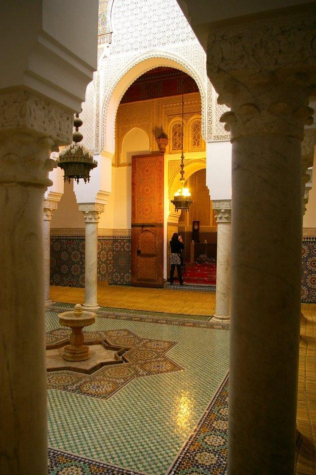 moroccan-architecture-1205985-640x960