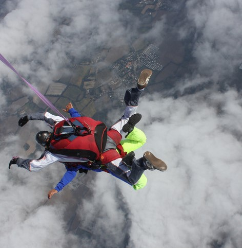 Skok ze Spadochronem z Balonu - połączenie skoku spadochronowego i lotu balonem! Prezent pełen adrenaliny!