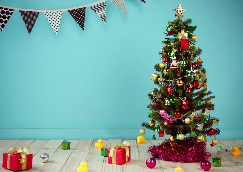 Choinka, prezenty, tanie świąteczne prezenty